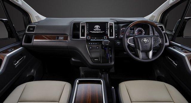 Toyota hé lộ mẫu MPV cao cấp mới ra mắt trong tháng 10/2019 - Ảnh 3.
