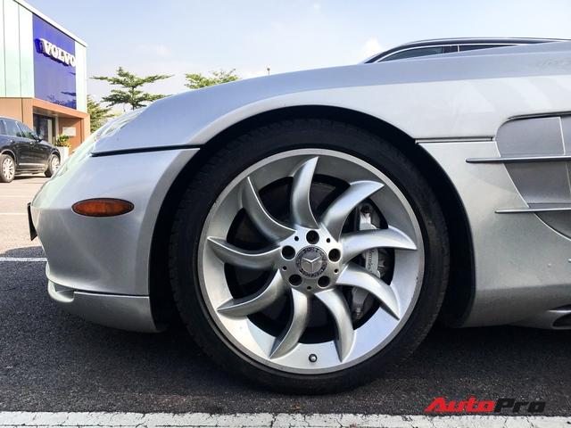 Bắt gặp Mercedes-Benz SLR McLaren độc nhất Việt Nam đi bảo dưỡng - Ảnh 7.