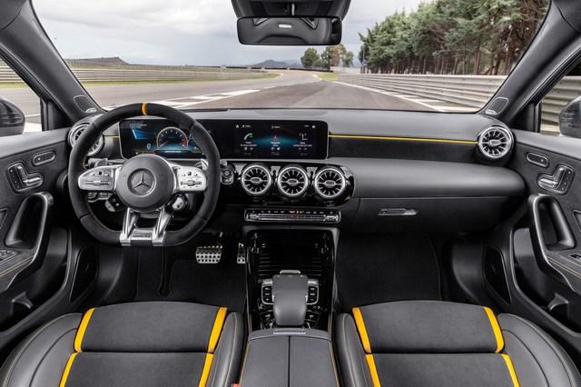 Mercedes-AMG A 45 S động cơ 4 xy-lanh mạnh nhất thế giới về Việt Nam với giá dự kiến từ 2,3 tỷ đồng - Ảnh 4.