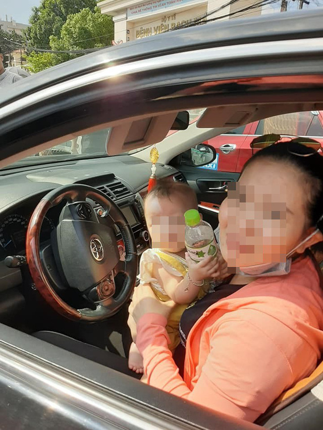 Xuống xe nói chuyện với tài xế Toyota Camry sau khi bị đâm, người đàn ông ngạc nhiên bởi cảnh tượng trong ghế lái - Ảnh 3.
