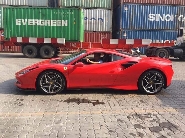 Đại gia ngành y tế tiết lộ bổ sung Ferrari F8 Tributo chính hãng vào bộ sưu tập siêu xe đình đám của mình - Ảnh 4.