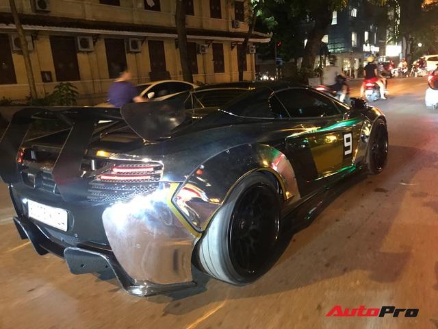 Đại gia Dương Kon chở con đi dạo phố Hà Nội bằng siêu xe McLaren 650S Spider Liberty Walk độc nhất Việt Nam - Ảnh 7.