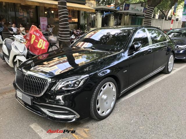 Mercedes-Maybach S 650 hàng hiếm của đại gia Lào Cai gặp nạn tại Hà Nội - Ảnh 1.