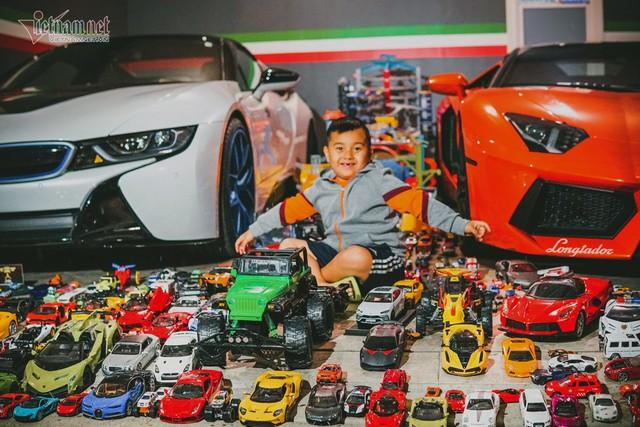 Cậu bé người Việt sở hữu 7.000 siêu xe gần tỷ đồng - Ảnh 1.