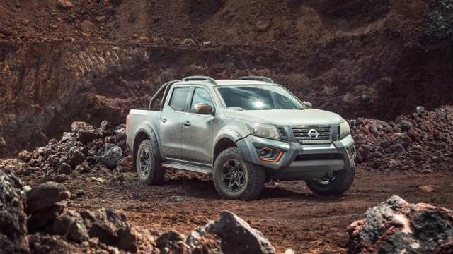Nissan hé lộ siêu bán tải Navara lấy cảm hứng từ... Ford Ranger Raptor - Ảnh 1.