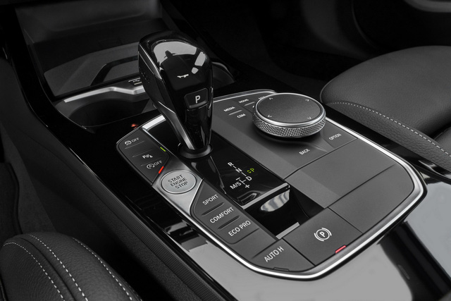 Ra mắt BMW 2-Series Gran Coupe: Cấu mỗi xe BMW một ít để cạnh tranh Mercedes-Benz CLA - Ảnh 10.