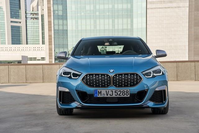 Ra mắt BMW 2-Series Gran Coupe: Cấu mỗi xe BMW một ít để cạnh tranh Mercedes-Benz CLA - Ảnh 1.