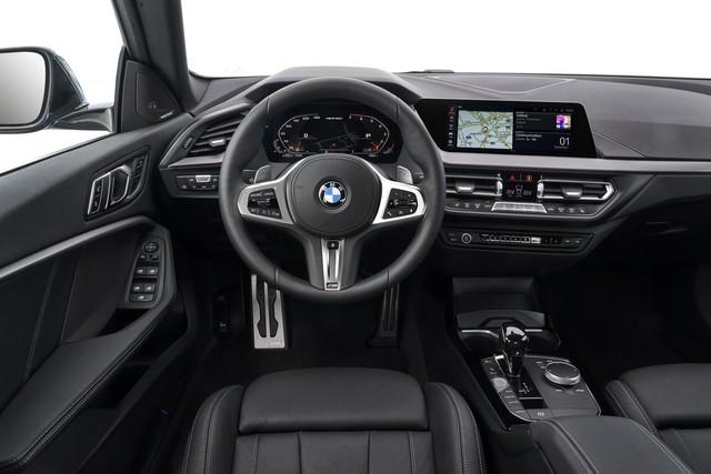 Ra mắt BMW 2-Series Gran Coupe: Cấu mỗi xe BMW một ít để cạnh tranh Mercedes-Benz CLA - Ảnh 7.