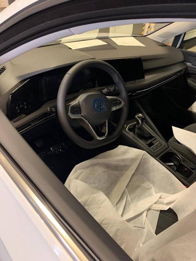 Xe bán chạy nhì thế giới Volkswagen Golf lộ nội, ngoại thất đời mới gây nhiều tranh cãi - Ảnh 2.