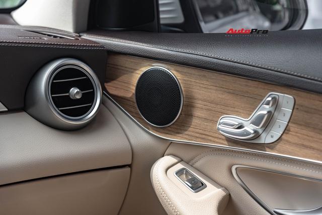 Mới chạy 20.000 km, hàng hiếm Mercedes-Benz GLC 300 Coupe rao bán với giá rẻ hơn cả tỷ đồng - Ảnh 6.