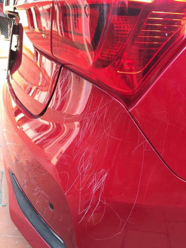 Bắt được kẻ phá hoại ô tô, chủ xe đau đầu tìm cách giải quyết vì đối tượng có bảo kê đặc biệt - Ảnh 1.