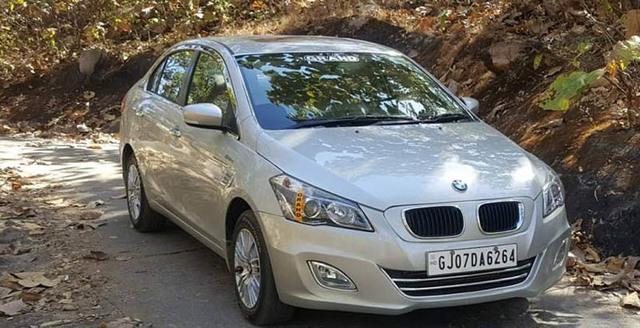 Biến ô tô giá rẻ thành xe sang BMW, sở thích của dân chơi Ấn - Ảnh 2.