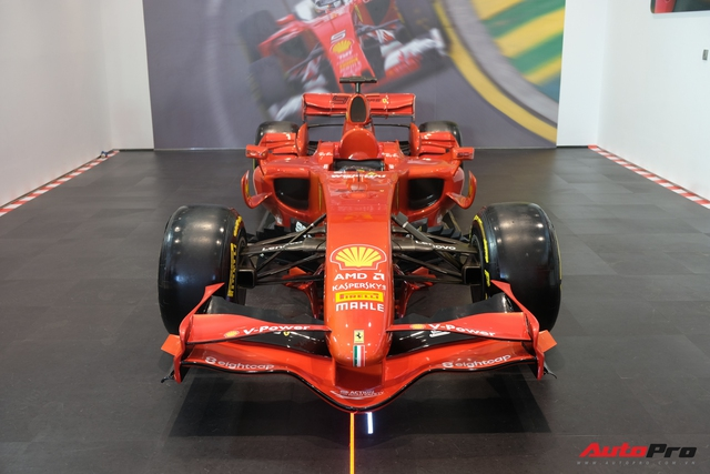 Showroom Ferrari chính hãng khai trương tại Việt Nam nhưng mới chỉ bán siêu xe cũ - Ảnh 4.