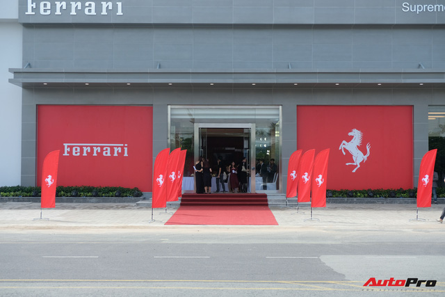 Showroom Ferrari chính hãng khai trương tại Việt Nam nhưng mới chỉ bán siêu xe cũ - Ảnh 1.