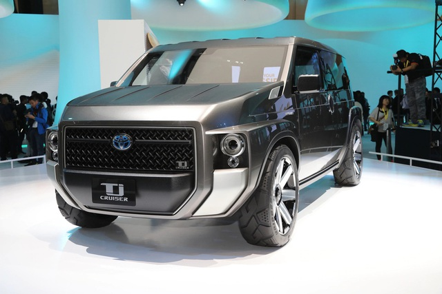 Bác tin đồn ra mắt C-HR, Toyota đưa SUV 7 chỗ hoàn toàn mới về Việt Nam: Lai MPV, nội thất siêu rộng - Ảnh 1.