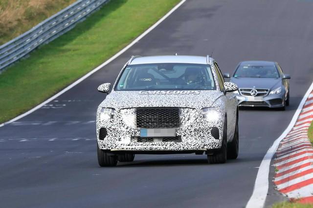 Genesis GV70 lần đầu lộ ảnh chạy thử - xe Hàn tham vọng đối đầu Mercedes GLC và BMW X3 - Ảnh 2.
