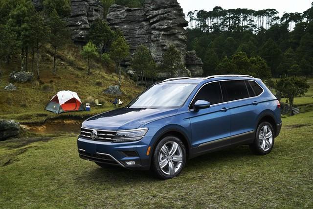 Volkswagen Tiguan nâng cấp nhẹ, tăng giá bán - Ảnh 1.