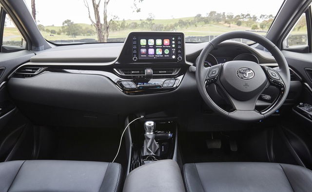 Toyota bất ngờ nâng cấp C-HR - mẫu crossover hạng B đấu Hyundai Kona và Mazda CX-3 - Ảnh 4.