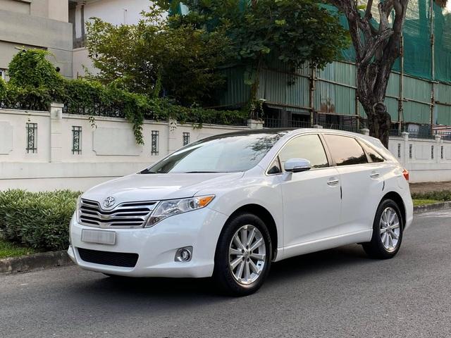 Toyota Venza đời 2010 được rao bán với giá 760 triệu đồng - crossover 5 chỗ vang bóng một thời - Ảnh 1.