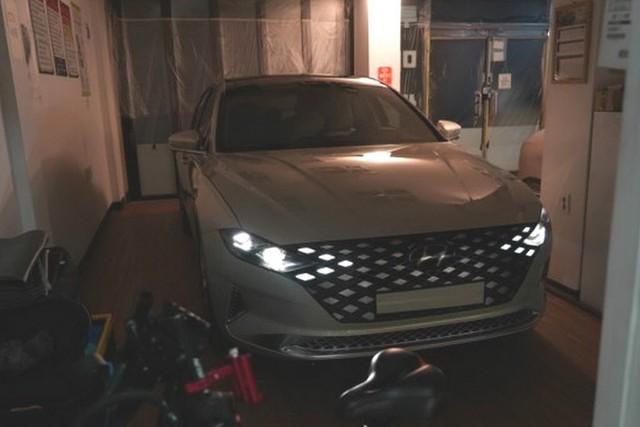 Hyundai Azera - Đàn anh Sonata đấu Toyota Avalon lộ bản mới, sexy bất ngờ - Ảnh 2.