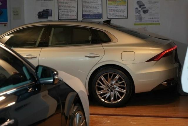 Hyundai Azera - Đàn anh Sonata đấu Toyota Avalon lộ bản mới, sexy bất ngờ - Ảnh 1.