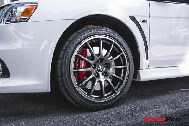 Bắt gặp Mitsubishi Lancer Evolution Final Edition độc nhất Việt Nam - giá ngang ngửa Ford Mustang GT - Ảnh 7.