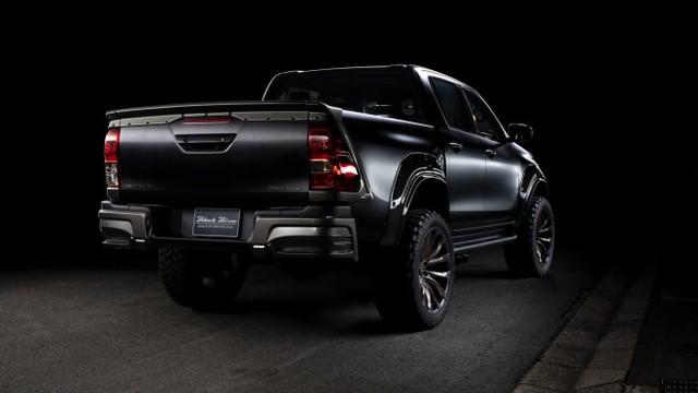 Toyota Hilux độ Wald hầm hố hơn Ford Ranger Raptor, giá gói nâng cấp ngang Kia Morning - Ảnh 1.