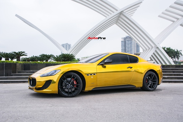 Chưa ra biển số, Maserati GranTurismo siêu lướt chào khách Việt với giá rẻ hơn 2,5 tỷ đồng so với mua mới - Ảnh 1.