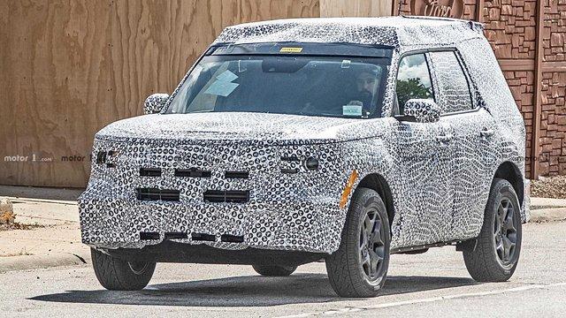 SUV Baby Bronco của Ford lộ vóc dáng đậm chất cổ điển - Ảnh 2.