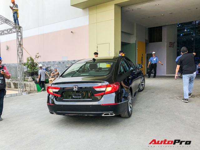 Honda Accord 2019 lăn bánh vào triển lãm, sẵn sàng ra mắt khách Việt với giá khoảng 1,2 tỷ đồng - Ảnh 5.