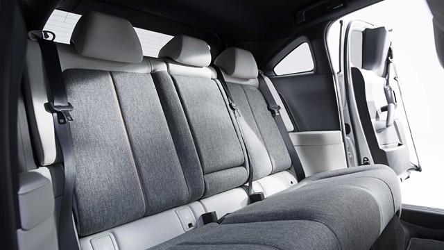 Ra mắt Mazda MX-30: Mở cửa như xe Rolls-Royce - Ảnh 7.