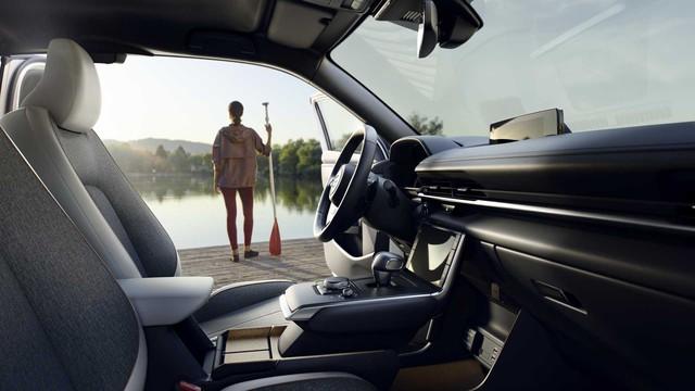 Ra mắt Mazda MX-30: Mở cửa như xe Rolls-Royce - Ảnh 6.