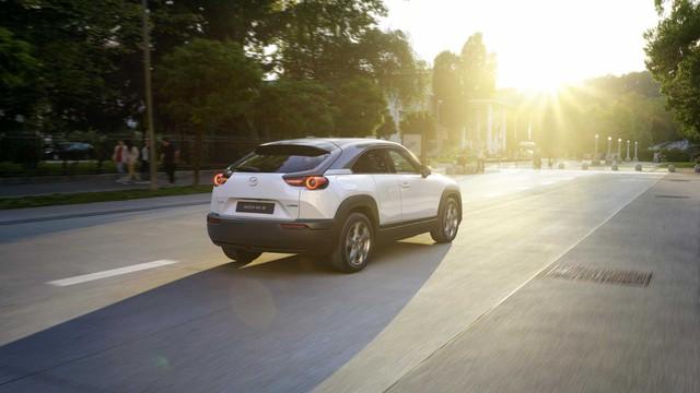 Ra mắt Mazda MX-30: Mở cửa như xe Rolls-Royce - Ảnh 9.