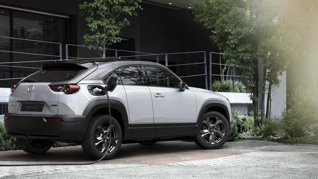 Ra mắt Mazda MX-30: Mở cửa như xe Rolls-Royce - Ảnh 1.
