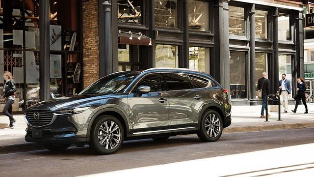 Ra mắt Mazda CX-8 mới: Thêm nhiều option để đấu Hyundai Santa Fe