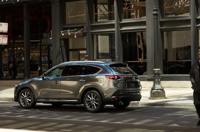 Ra mắt Mazda CX-8 mới: Thêm nhiều option để đấu Hyundai Santa Fe - Ảnh 2.