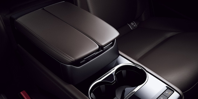 Ra mắt Mazda CX-8 mới: Thêm nhiều option để đấu Hyundai Santa Fe - Ảnh 4.