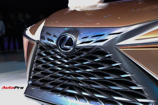 Khám phá nhanh Lexus LF-1 Limitless: Toàn những thiết kế khó chê nhưng không dễ đưa vào thương mại để bán - Ảnh 5.