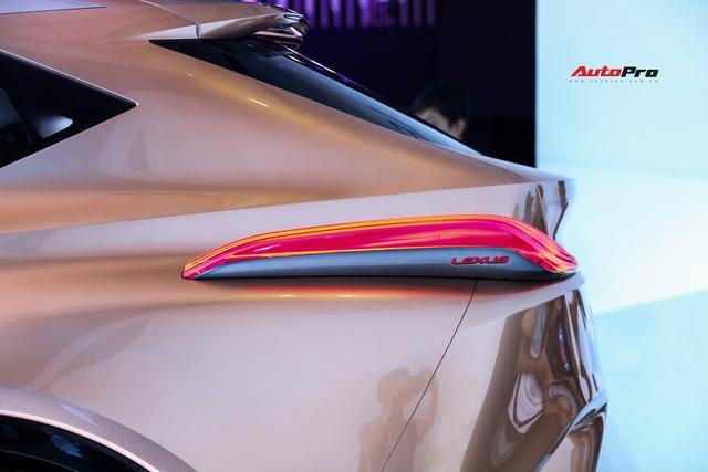 Khám phá nhanh Lexus LF-1 Limitless: Toàn những thiết kế khó chê nhưng không dễ đưa vào thương mại để bán - Ảnh 7.