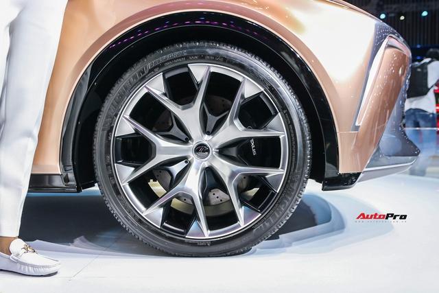Khám phá nhanh Lexus LF-1 Limitless: Toàn những thiết kế khó chê nhưng không dễ đưa vào thương mại để bán - Ảnh 6.