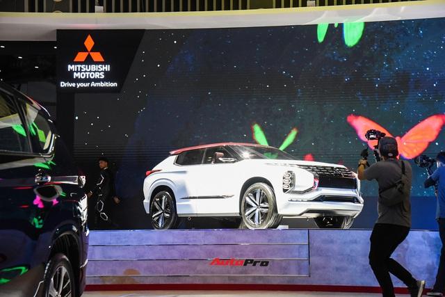 Toàn cảnh Triển lãm ô tô Việt Nam 2019 ngày khai mạc: Bữa tiệc xe không thể bỏ qua - Ảnh 43.