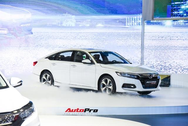 Ra mắt Honda Accord 2019, giá từ 1,319 tỷ đồng - Cơ hội mới trước Toyota Camry - Ảnh 1.