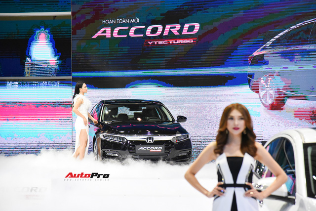 Ra mắt Honda Accord 2019, giá từ 1,319 tỷ đồng - Cơ hội mới trước Toyota Camry - Ảnh 2.