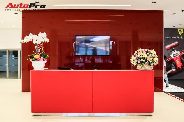Khám phá bên trong showroom Ferrari chính hãng tại Việt Nam: Từ gạch lát nền đúng chuẩn đến diện tích lớn hàng đầu thế giới - Ảnh 3.