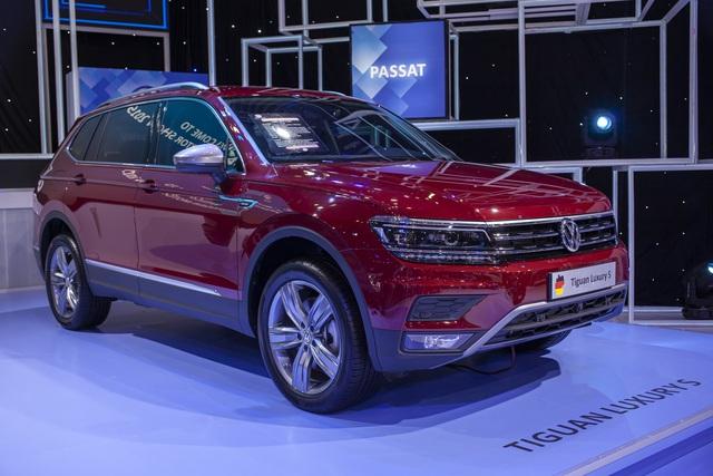 Đại hạ giá ô tô ở Việt Nam: Volkswagen mạnh tay giảm gần 200 triệu cho xe cạnh tranh Toyota Camry - Ảnh 2.
