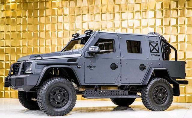 Mercedes-Benz G500 4x4 bọc thép cho đại gia mê xe tăng nhưng chỉ đi được ô tô - Ảnh 1.