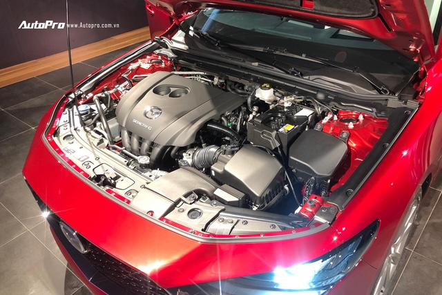 Xem trước Mazda3 2020 tại đại lý ngay trước ngày ra mắt khách Việt: Lột xác để giữ ngôi vương trước Toyota Corolla Altis - Ảnh 5.
