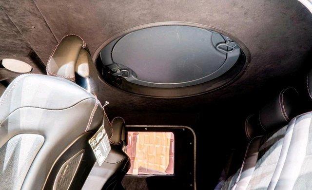 Mercedes-Benz G500 4x4 bọc thép cho đại gia mê xe tăng nhưng chỉ đi được ô tô - Ảnh 6.