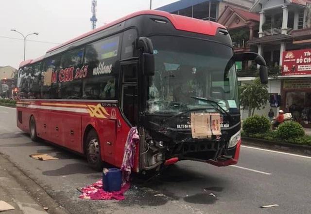 Clip: Xe khách chạy tốc độ cao tông thẳng vào Toyota Vios khiến 3 người chết ở Nghệ An - Ảnh 3.