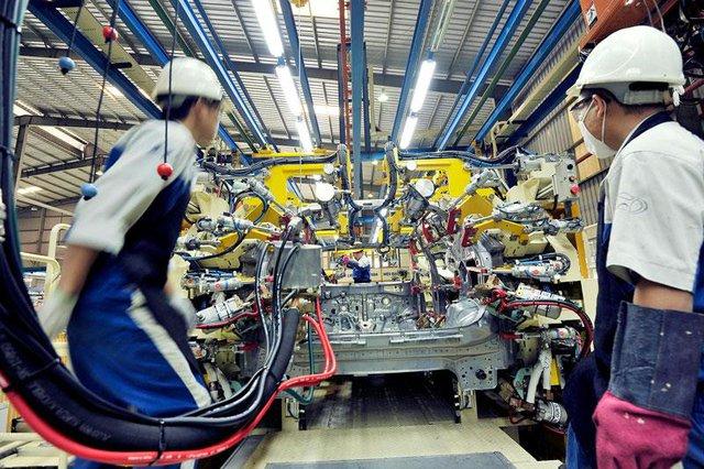 Lo sản xuất ô tô trong nước tiếp tục… hụt hơi - Ảnh 1.
